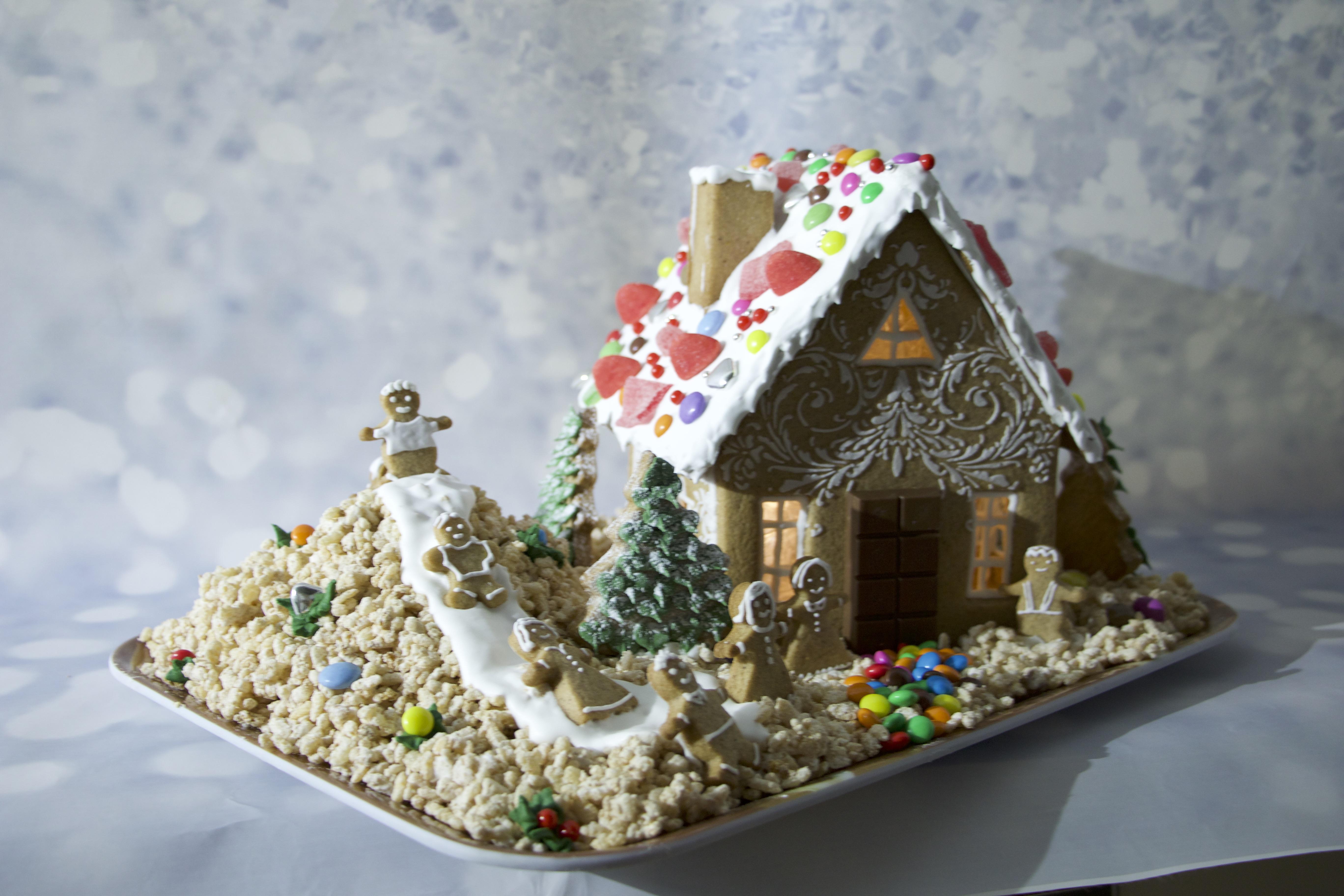 Casetta Di Natale Con Pasta Frolla : Impara a costruire una casetta di biscotto fatta con amore u mamma